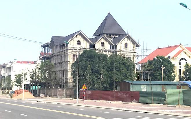 Căn biệt thự mà Giám đốc Sở góp vốn tạo lập được xây thô với giá 1,2 tỷ đồng - Ảnh 1.