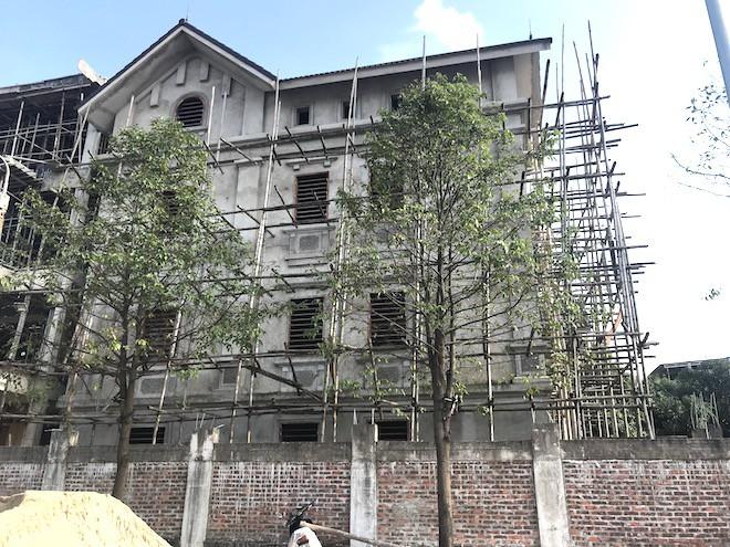 Căn biệt thự mà Giám đốc Sở góp vốn tạo lập được xây thô với giá 1,2 tỷ đồng - Ảnh 3.