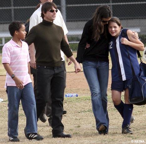 Trái ngược Suri Cruise, 2 đứa con khác của Tom Cruise có số phận đáng thương - Ảnh 2.