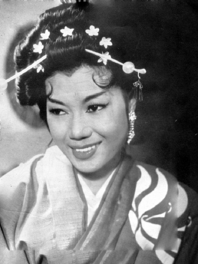 Cuộc đời kỳ nữ Kim Cương: Tài năng, nhan sắc, danh vọng và 5 lần lỡ dở tình duyên - Ảnh 4.