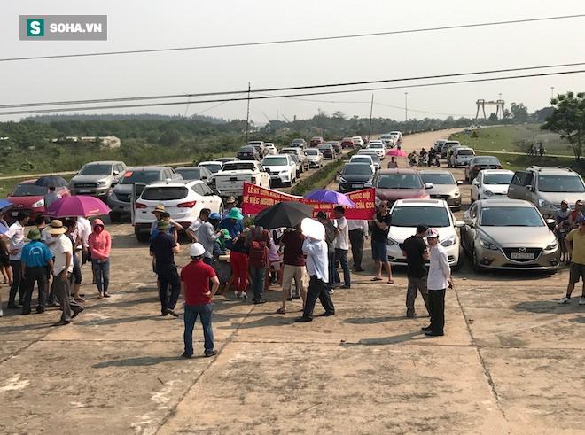 Miễn phí cho người dân 4 huyện ở Nghệ An, Hà Tĩnh qua cầu Bến Thuỷ 1 - Ảnh 2.