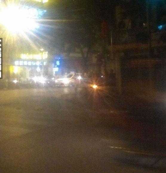 Hà Nội: Chạy chốt 141, nam thanh niên tông CSCĐ bất tỉnh - Ảnh 1.