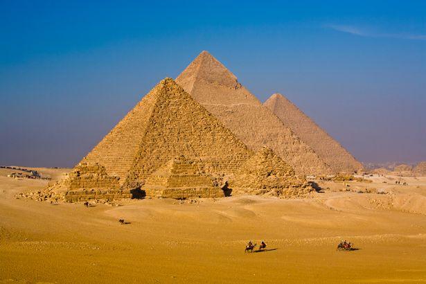 CIA tiết lộ tài liệu mật về bí ẩn của kim tự tháp bị lãng quên trên Sao Hỏa - Ảnh 4.