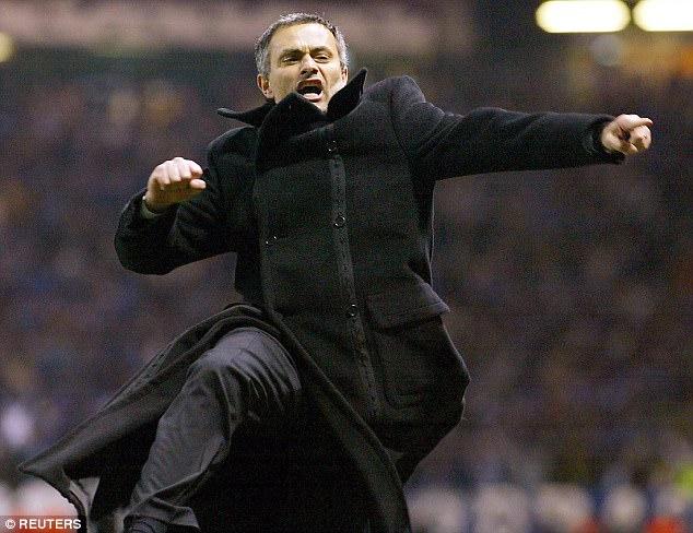 """Những màn """"võ chợ"""" trứ danh của Mourinho khiến đối thủ chào thua - Ảnh 2."""