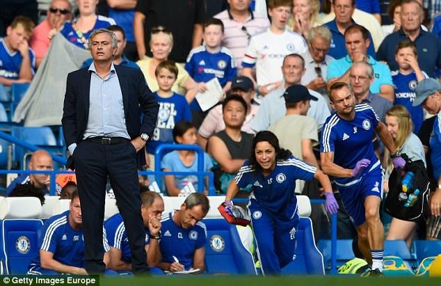"""Những màn """"võ chợ"""" trứ danh của Mourinho khiến đối thủ chào thua - Ảnh 8."""