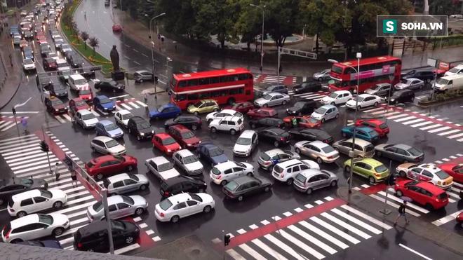 Sau 3 phút, bạn sẽ hiểu vì sao tắc đường lại xảy ra nhiều đến thế! - Ảnh 2.