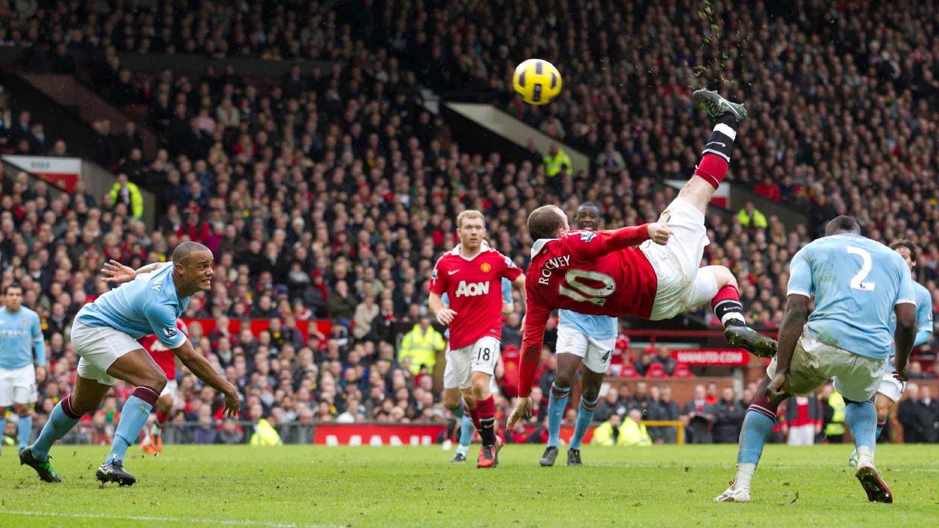 """Pha """"ngả bàn đèn"""" tuyệt phẩm của Rooney ở derby Manchester"""