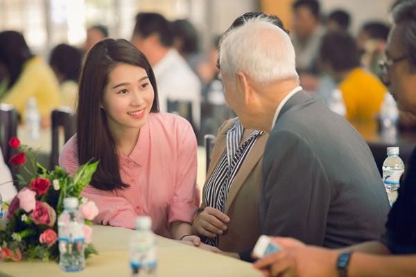 Đặng Thu Thảo có làm mất giá trị của Hoa hậu Việt Nam như lời NTK Việt Hùng nói? - Ảnh 12.