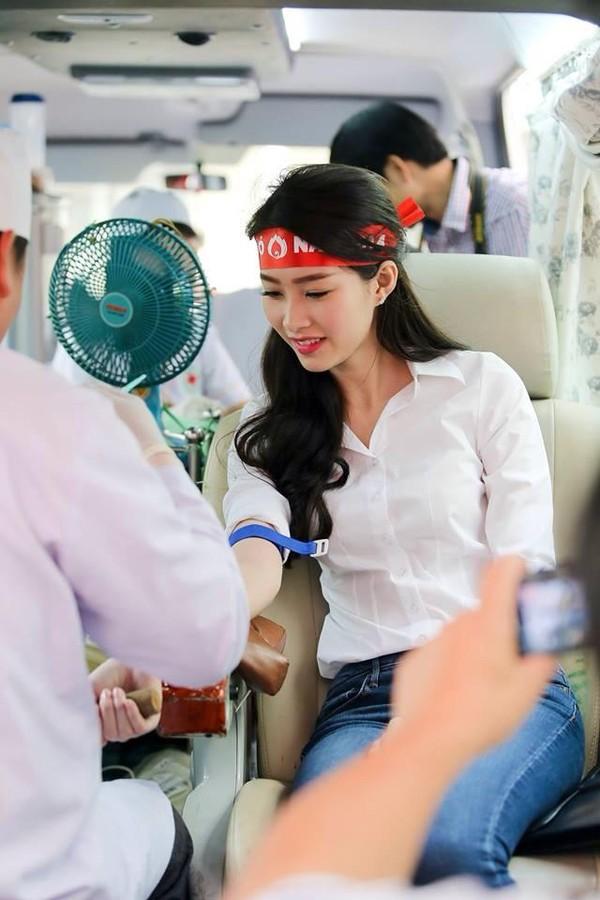 Đặng Thu Thảo có làm mất giá trị của Hoa hậu Việt Nam như lời NTK Việt Hùng nói? - Ảnh 13.
