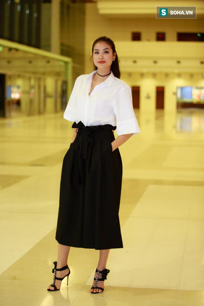 Huyền My, Phạm Hương khoe vẻ đẹp quyến rũ với phong cách lạ - Ảnh 4.