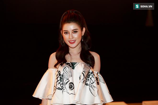 Huyền My, Phạm Hương khoe vẻ đẹp quyến rũ với phong cách lạ - Ảnh 5.