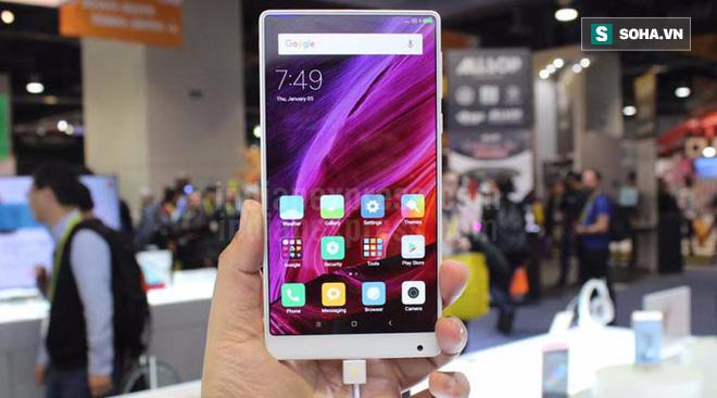 Nhanh hơn đúng 1 ngày, Xiaomi của Trung Quốc tung ra sát thủ diệt iPhone 8 - Ảnh 1.