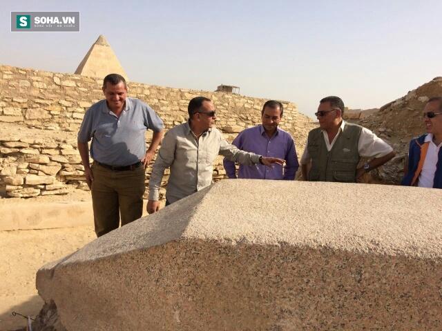 Khai quật được mảnh đài tưởng niệm lớn nhất thời Ai Cập cổ đại - Ảnh 1.