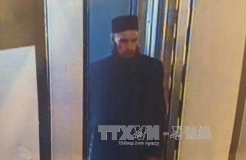 Tổng thống Putin đến hiện trường vụ nổ, Nga truy nã 2 nghi phạm đánh bom - Ảnh 1.