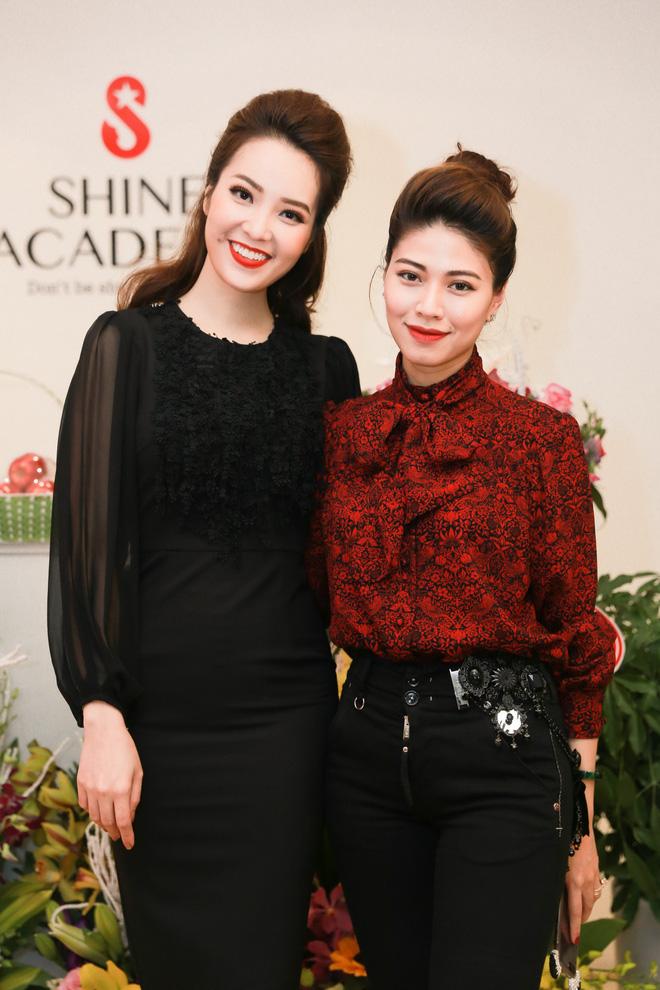 Đôi bạn thân Ngọc Trinh - Thụy Vân cạnh tranh nhau tại VTV Awards - Ảnh 1.
