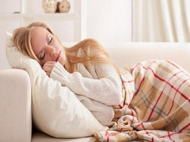 Suýt phải trả giá đắt vì thói quen xấu khi đi ngủ: Lời cảnh tỉnh cho rất nhiều người - Ảnh 2.