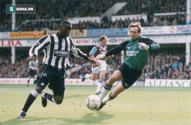 Bị Arsenal đuổi thẳng cổ, phải lòng Dwight Yorke và làm nên lịch sử cùng Man United - Ảnh 3.