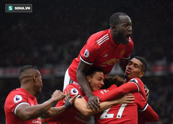 Sắp đại chiến derby nước Anh, Mourinho nhận doping từ Man United - Ảnh 1.