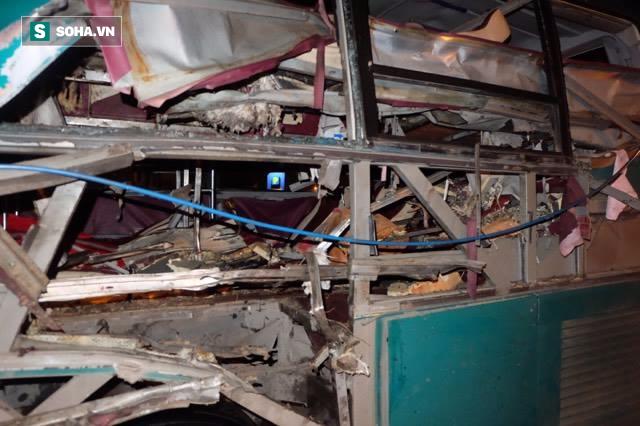 Hiện trường vụ nổ xe khách khiến 2 người tử vong ở Bắc Ninh - Ảnh 3.