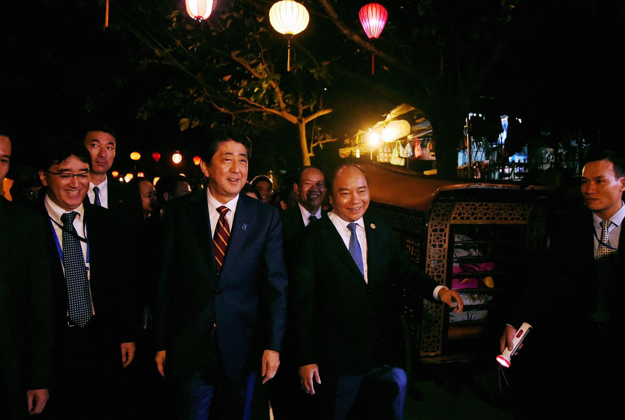 [PHOTO ESSAY] Toàn cảnh APEC 2017 qua 17 khoảnh khắc ấn tượng - Ảnh 22.