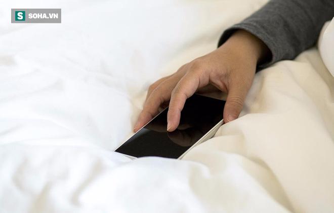 Kết quả khi không đưa điện thoại lên giường trong 2 tuần: Ai hay sử dụng thử 1 lần để biết - Ảnh 1.
