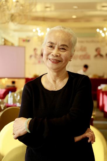 Người bà quen mặt nhất màn ảnh Việt: Cuộc sống ít biết sau gương mặt hiền hậu - Ảnh 1.