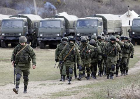 Quân đội Trung Quốc tự tin cắt giảm 30 vạn lính: Càng trở nên nguy hiểm - Ảnh 4.