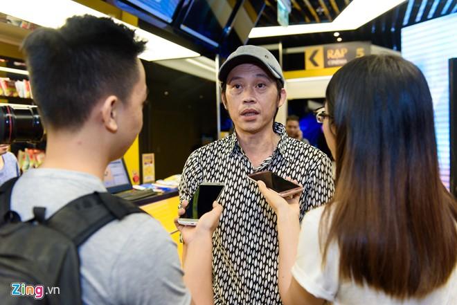 Hoài Linh: Tôi bị mất ngủ, phải uống thuốc thường xuyên - Ảnh 1.