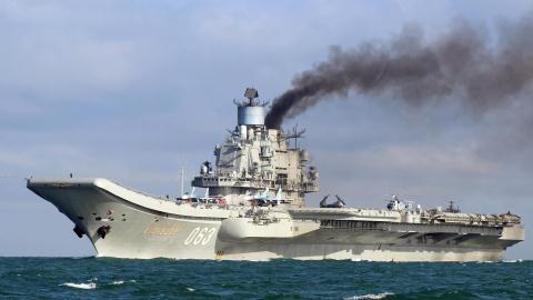 Tàu sân bay Kuznetsov vội vã bỏ về nước khi nhiệm vụ còn dang dở  - Ảnh 1.