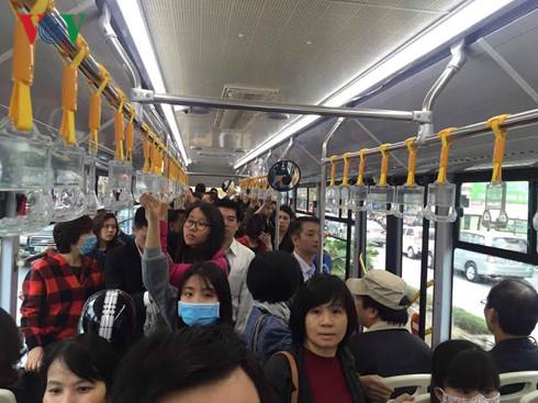 Sau 5 ngày, xe buýt nhanh BRT chở gần 54.000 lượt hành khách  - Ảnh 1.