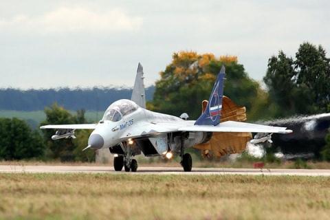 Báo Nga: Máy bay tiêm kích Việt Nam sẽ mua chuẩn bị cất cánh  - Ảnh 1.