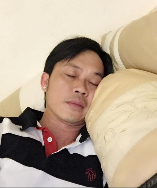Nghệ sĩ Hoài Linh đã tỉnh táo hơn sau khi nhập viện  - Ảnh 1.