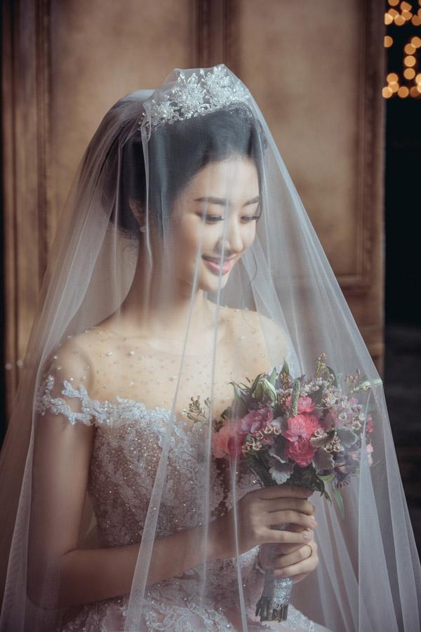 Không chỉ Thu Ngân, các Hoa hậu này cũng vội lấy chồng ở tuổi 20 - Ảnh 1.
