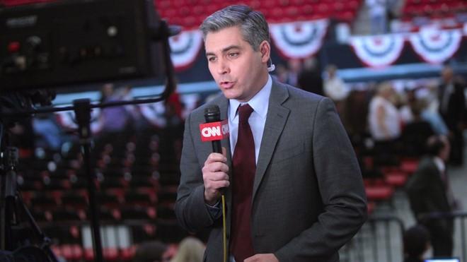 Họp báo như rạp xiếc, Trump và phóng viên CNN đấu khẩu  - Ảnh 1.