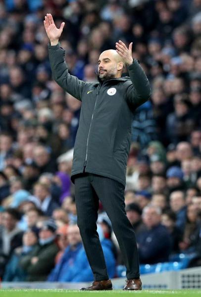 Mourinho dạy Pep: Tiền bạc không mua được tình yêu - Ảnh 2.