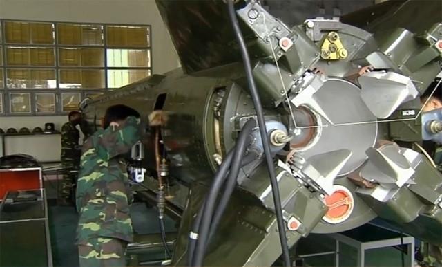 Việt Nam sản xuất nhiên liệu tên lửa cấp chiến lược - Ảnh 2.