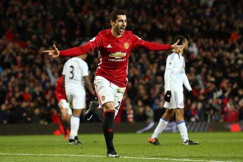 Mourinho đang bắt đầu thành công với kiểu 'tình yêu...đọa đầy' ở Man United - Ảnh 1.