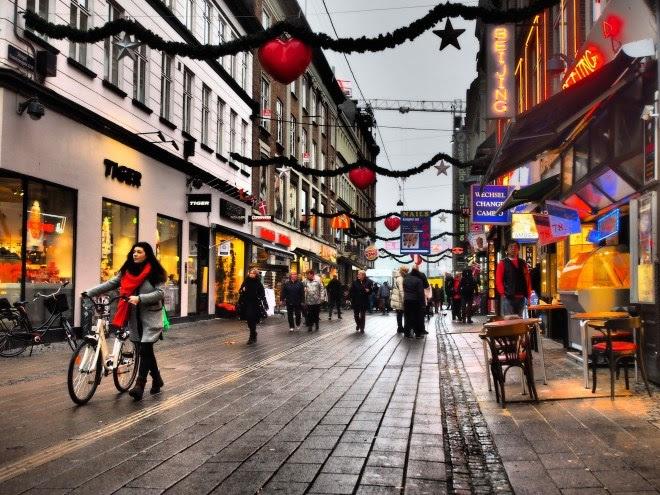 Những khu phố hấp dẫn nhất thế giới không chỉ có vỉa hè thông thoáng - Ảnh 1.