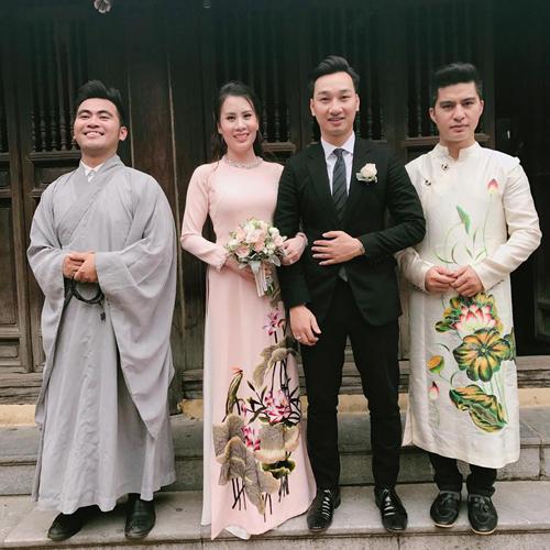 MC Thành Trung rạng rỡ trong buổi lễ hằng thuận với bạn gái Ngọc Hương - Ảnh 2.