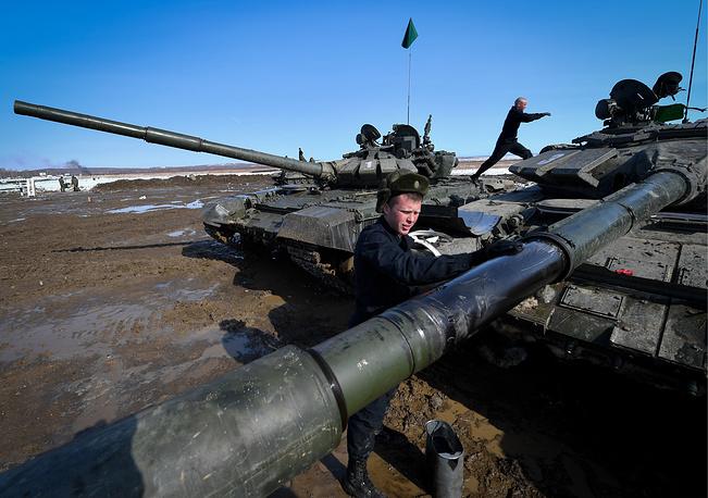 Các kíp lái xe tăng T-72B3 Nga sơ tuyển Tank Biathlon 2017, Việt Nam có tham dự? - Ảnh 4.