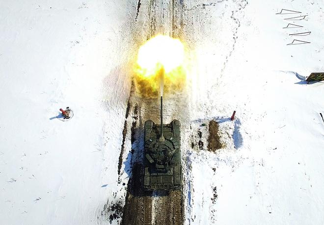 Các kíp lái xe tăng T-72B3 Nga sơ tuyển Tank Biathlon 2017, Việt Nam có tham dự? - Ảnh 8.