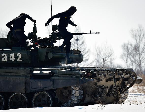 Các kíp lái xe tăng T-72B3 Nga sơ tuyển Tank Biathlon 2017, Việt Nam có tham dự? - Ảnh 11.
