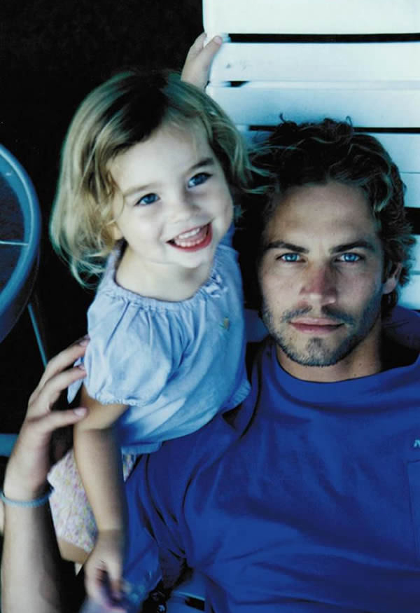 Con gái tài tử Paul Walker giờ đã thành thiếu nữ 18 tuổi xinh đẹp, gợi cảm - Ảnh 1.