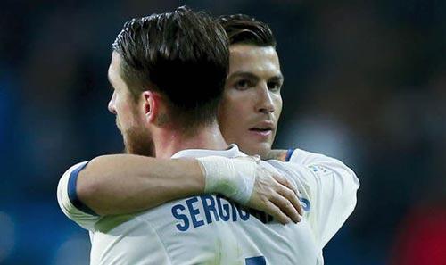 Ronaldo văng tục: Ramos và Bale quát tháo đáp trả - Ảnh 1.