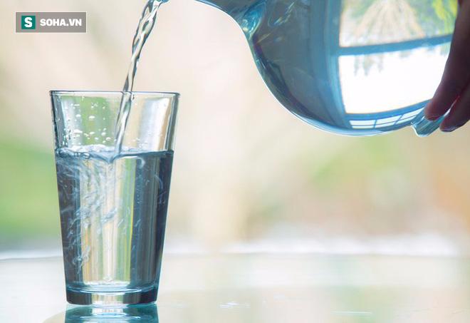 4 loại nước tuyệt đối không nên uống ngay sau khi thức dậy vì có thể gây hại nghiêm trọng - ảnh 3