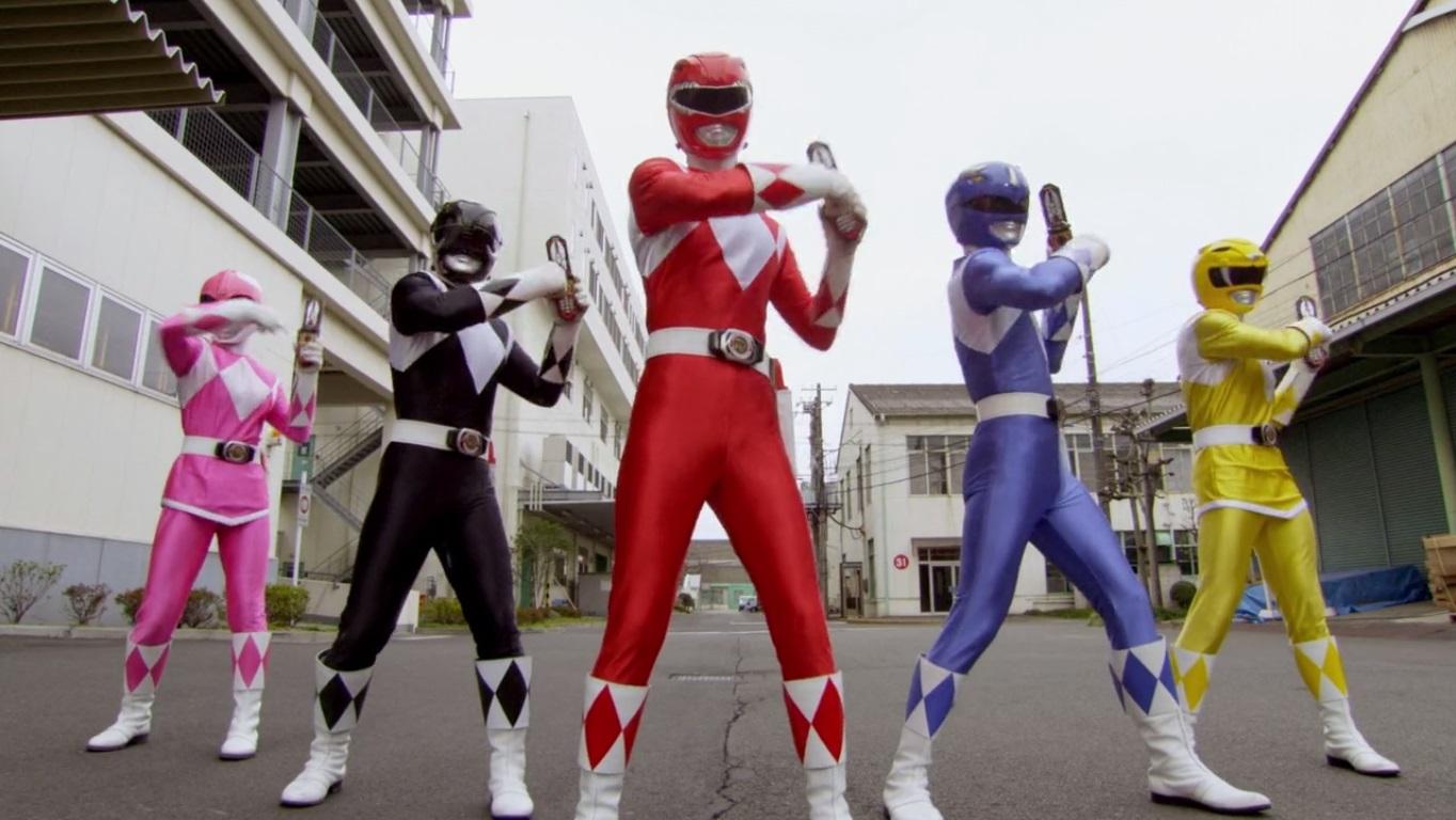 Power Rangers: Có một tuổi thơ dữ dội mang tên 5 anh em siêu nhân