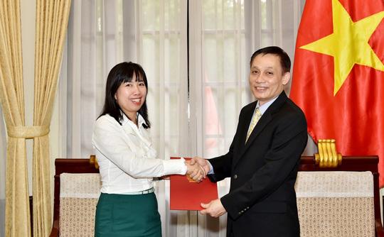 Bộ Ngoại giao có nữ phát ngôn viên mới thay ông Lê Hải Bình - Ảnh 1.