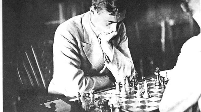 Tìm hiểu về viết mật mã bằng cờ vua - môn thể thao trí óc từng bị cấm vào thời Thế Chiến - Ảnh 1.