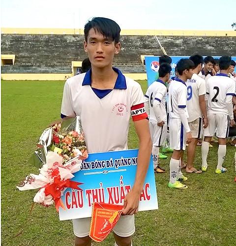 Huỳnh Tấn Sinh: Cậu ấm của U20 Việt Nam - Ảnh 1.