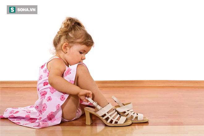 BV Nhi ngày nào cũng phải khám dậy thì sớm, có trẻ mới 2 tuổi: Tiêm hormone có hại không? - Ảnh 1.